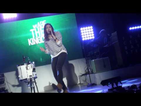francesca-battistelli-we-are-the-kingdom-if-were-honest-tour-ct-2014-rockermommsm