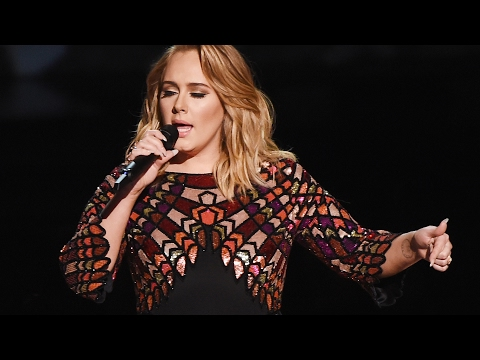 """Adele Opens 2017 Grammy Awards With FLAWLESS """"Hello"""" Performance"""