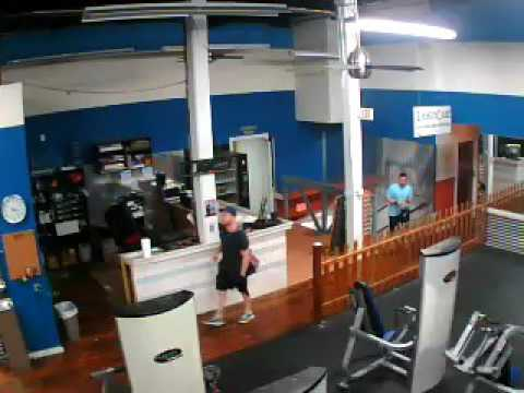 iPad Thief! At Intoxx Fitness in Manayunk, Philadelphia - HELP CATCH HIM! (1 of 2)