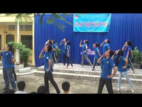 Nhảy dân vũ Mùa hè xanh F9 2013