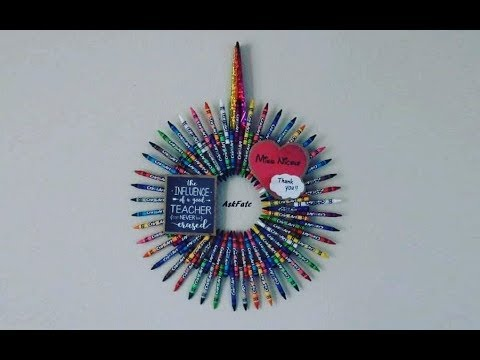 DIY Thank You Gift For Teachers - Crayon Wreath