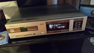 Like New Pioneer P-D70 CD Play…