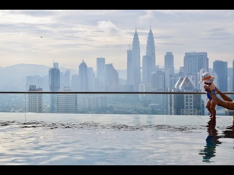 Vlog #30 - PT/2...HELLO MALAYSIA!! || vegan food/twin towers/airbnb