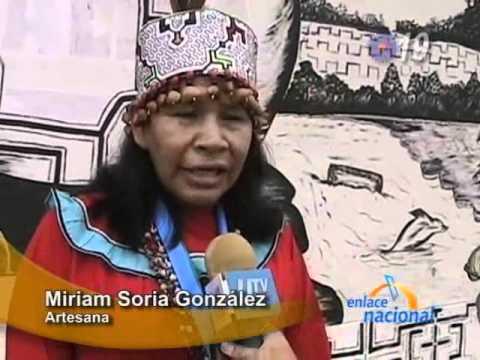 Artesana shipiba fue premiada por su labor en Puca...