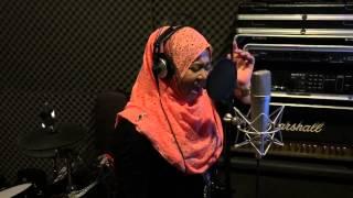 Madah Berhelah Cover By Azlyna Aziz