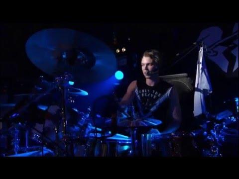 5 Seconds Of Summer - Ashton's Speech & Jet Black Heart live from The Broken Scene