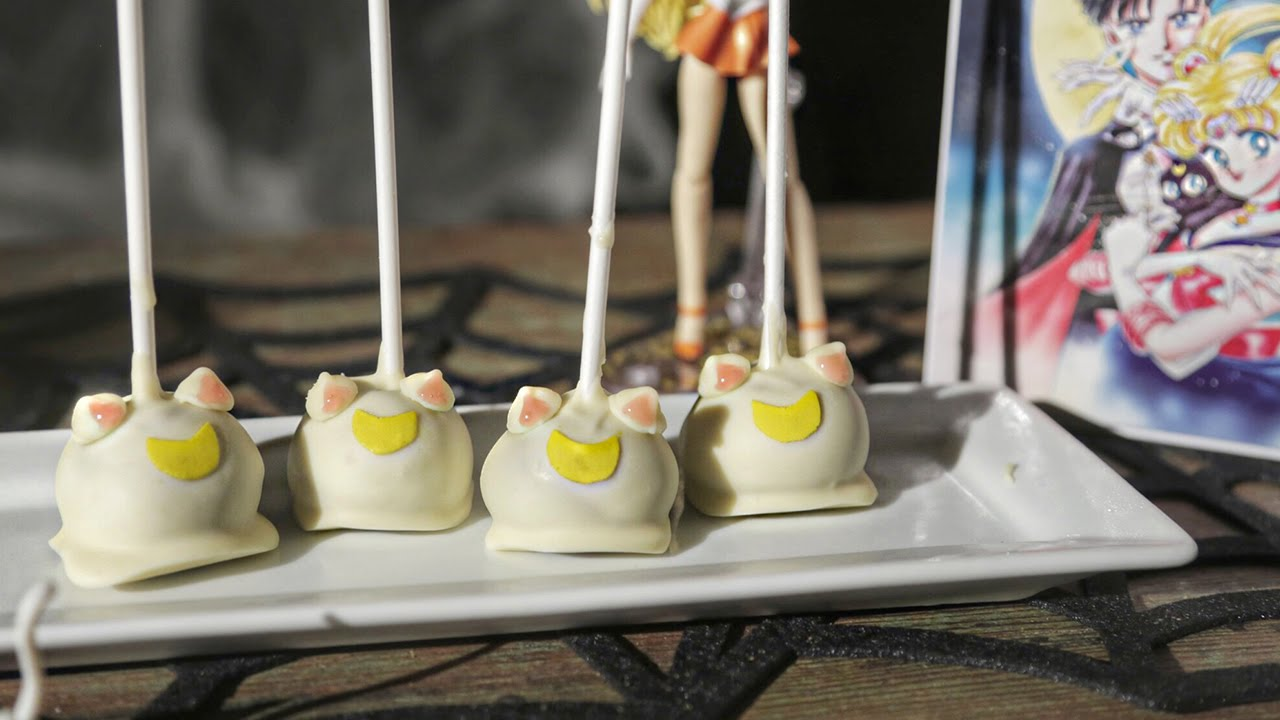 Baby On The Moon Cake