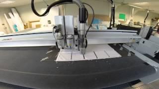 Vidéo de fraisage de forex 10 mm sur Zund G3 par Grafitroniks