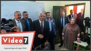 بالفيديو..جلال السعيد يتفقد أحد الفصول التعليمية بمدرسة جمال عبد الناصر