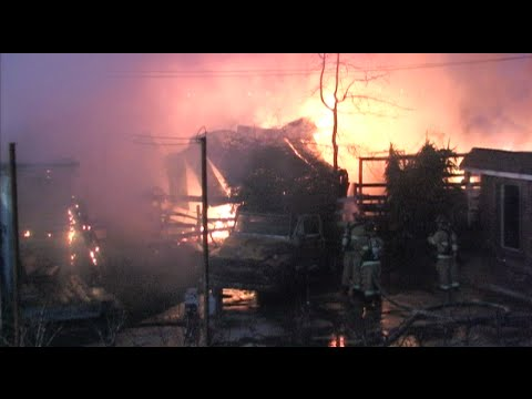 3 Horses Killed & Barn Completely Destroyed During Large Fire In Modesto, California