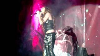 Miley Cyrus - 7 Things (Tour Corazon Gitano - Chile 04 de Mayo)