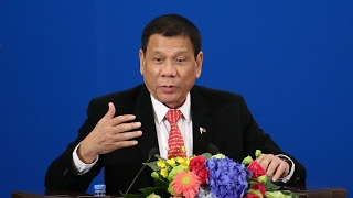 Philippine president declares war on 'scalawags'