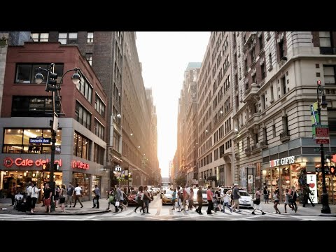 NEW YORK CITY 2018: into the crowds of Broadway! [4K]