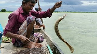 Primitive Technology Fishing In River! Believe This Fishing? Fish Trap By Fishhook