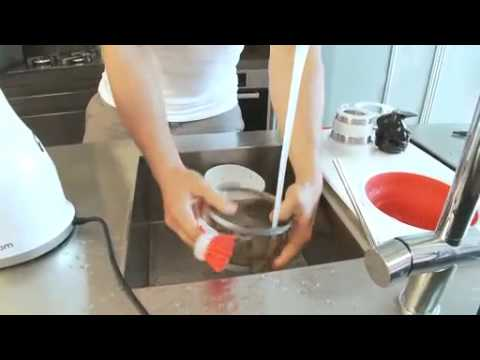 Hurom Juicer: Cleanup demo - YouTube