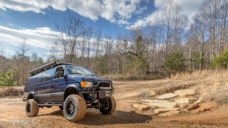 1999 Ford E-350 4x4 Van Built by Ujoint Off-Road