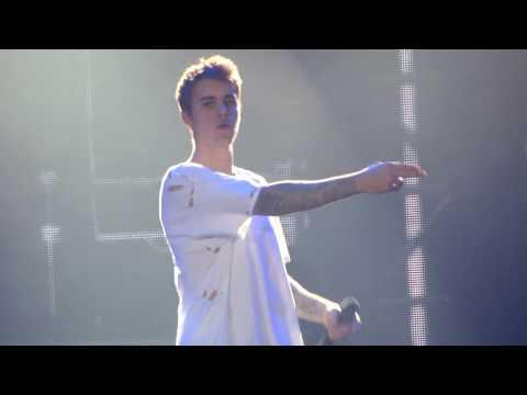 Justin Bieber - Boyfriend - live Birmingham 2016