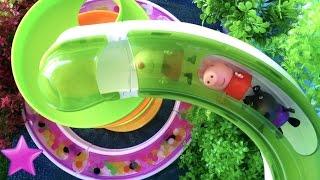 PEPPA PIG Diversión en los TOBOGANES GIGANTES Playmobil Vídeos Peppa Pig #67 thumbnail