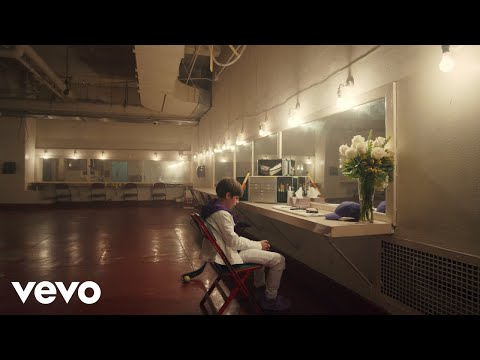 Justin Bieber \u0026 benny blanco - Lonely (Official Music Video)