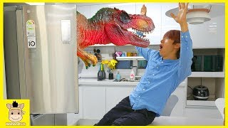Dinosaur came out of the refrigerator! Learn Colors song with Nursery Rhyme Songs | MariAndKids Toys