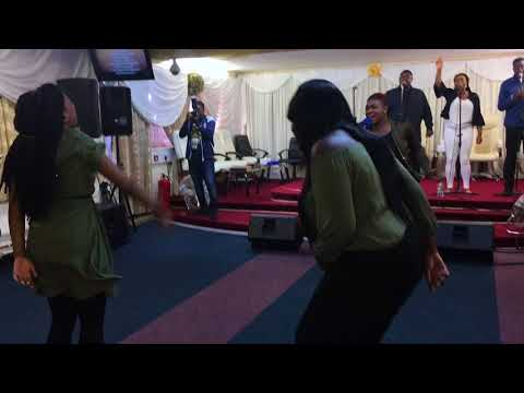 Deborah-Darling Leads Worship