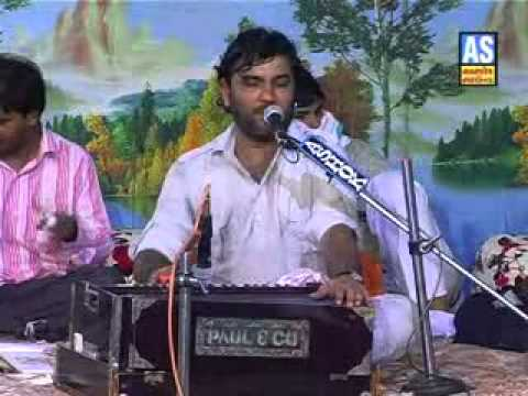 KIRTIDAN AT HIS BEST SAIYER SHU KARU & BHILDI BANI BHAVANI & JOGI MARE SAAME KINARE-15.flv