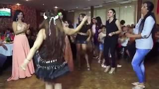 (ВИДЕО) - Момиче играе Яко кючек - Соло барабани!
