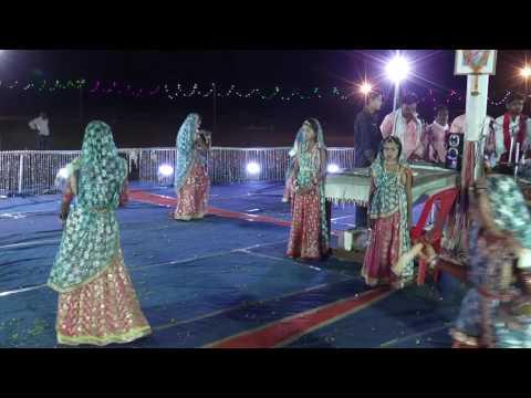 best gangour bhajan mhari ranu bai pani kha jaye