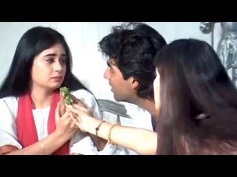 Akshay's sorrow family - Sapoot Scene