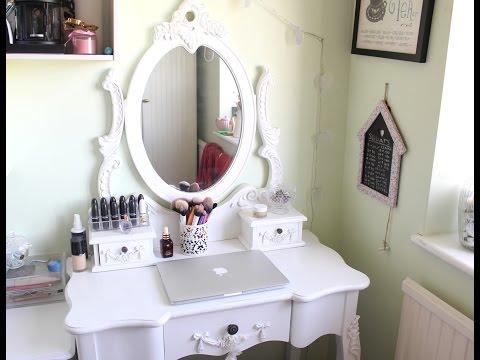White Mirror Desk