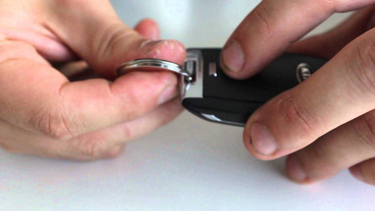 как поменять батарейку в ключе kia sportage 3