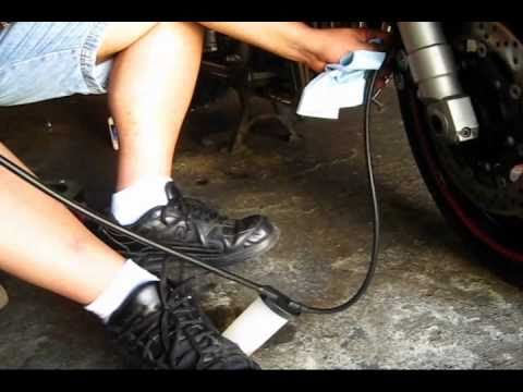 Fz1 Brake Bleeding With Harbor Freight Bleeding Tool Youtube
