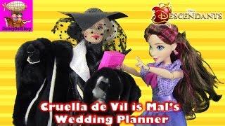 Cruella de Vil is Mal
