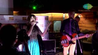 Thodi Si Jo Pee Li Hain Reprise - Shalmali Kholgade Singing Live - The Bartender | B Seventy