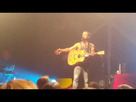 """Xavier Rudd plays """"Breeze,"""" reflects on love! LIVE IN BOULDER July 4th, 2016"""