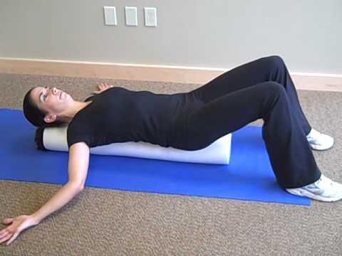 pec stretch on foam roller - YouTube