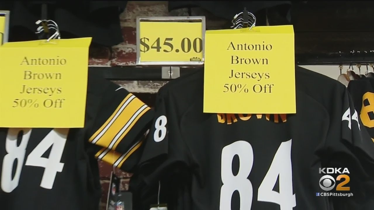 official photos 6c04e 408d3 Steelers Fans React To Antonio Brown's Trade To Oakland Raiders