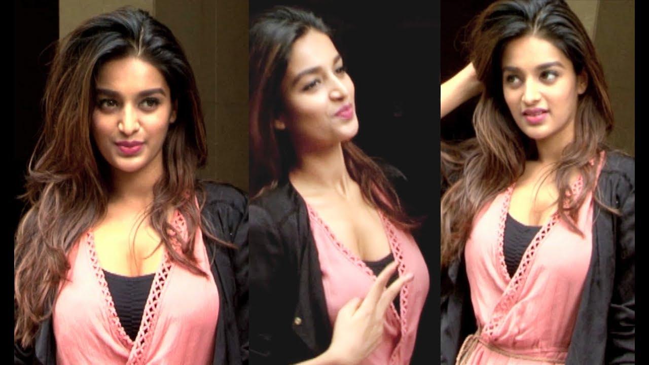 Download Munna Michael Actress Nidhhi Agerwal Video HD