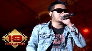 "KERENN!!! Aksi .. "" Five Minutes "" Aisyah (Live Konser Bandung 1 Februari 2014)"