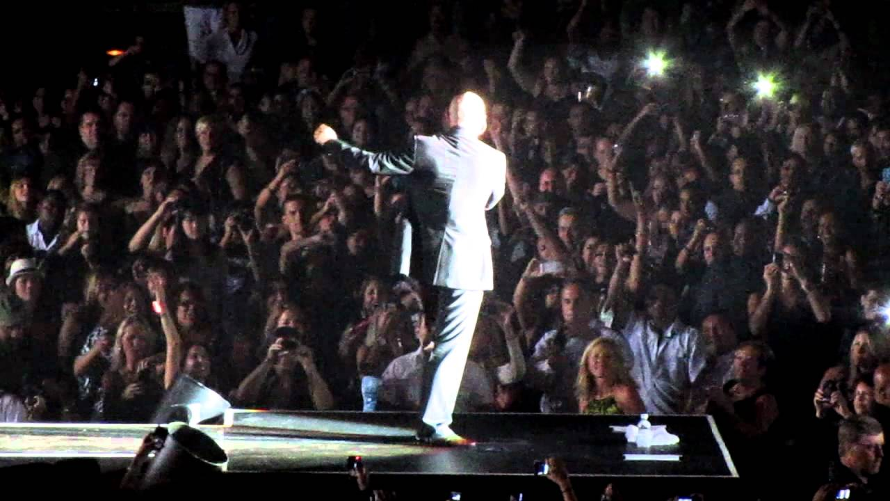 Pitbull - Hey Baby (Drop It To The Floor) - Live at AC Taj ...
