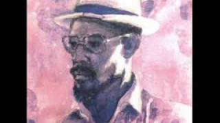 Watch Linton Kwesi Johnson Di Anfinish Revalueshan video