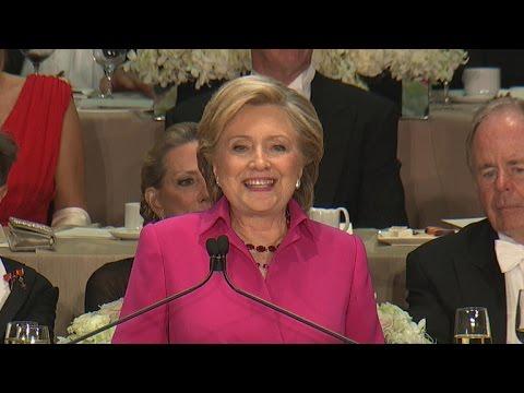 Clinton roasts Trump