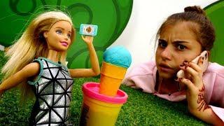 Видео для девочек - Барби потеряла телефон - Игры в куклы