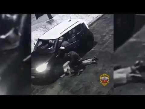Боец ММА избил московского чиновника