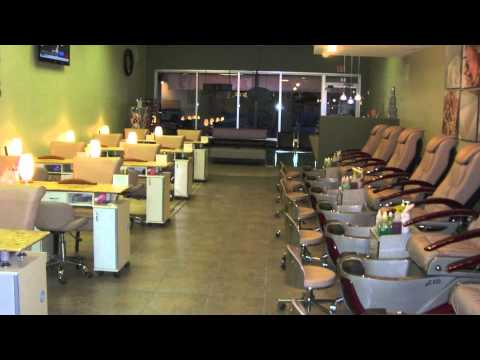 Nini's Nail Salon in Albuquerque, New Mexico