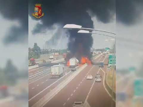 Bologna-Autocisterna esplode a Borgo Panigale il video dello scontro