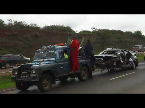 Late Governor Wahome Gakuru\'s car being towed from accident scene by ...