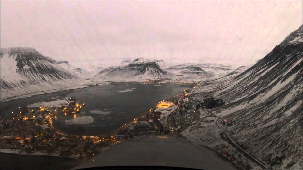 Landing at Isafjordur, Iceland - BIIS - YouTube
