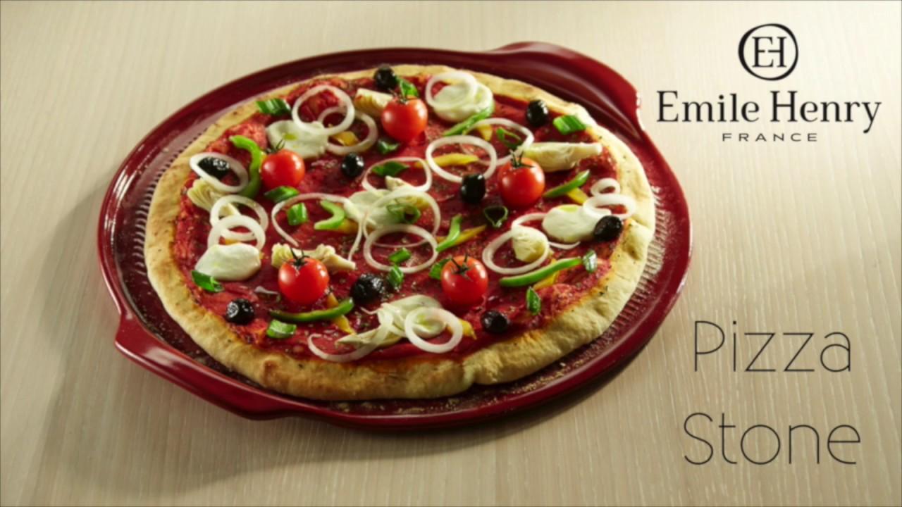 plaque pizza emile henry youtube. Black Bedroom Furniture Sets. Home Design Ideas