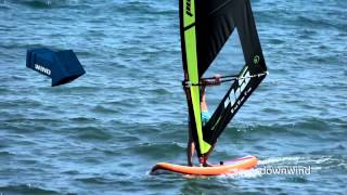 How to sail upwind and downind? The Black Team Academy - Beginner Windsurfing